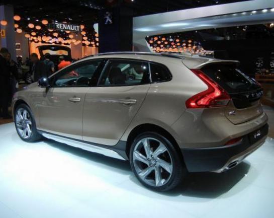 Volvo V40 Cross Country usa - http://autotras.com