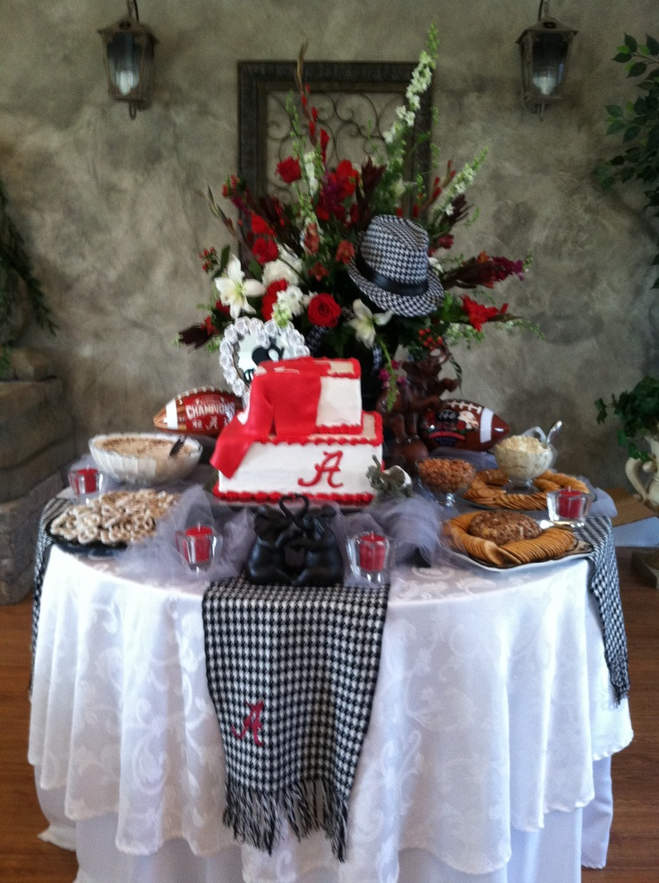 Alabama grooms table that my cousin and I did for a relative of ours.  Congrats Trey and Alicia!!!