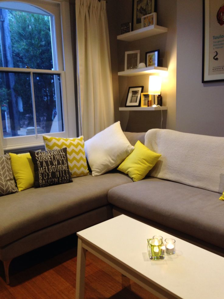 Cosy living room gray and yellow