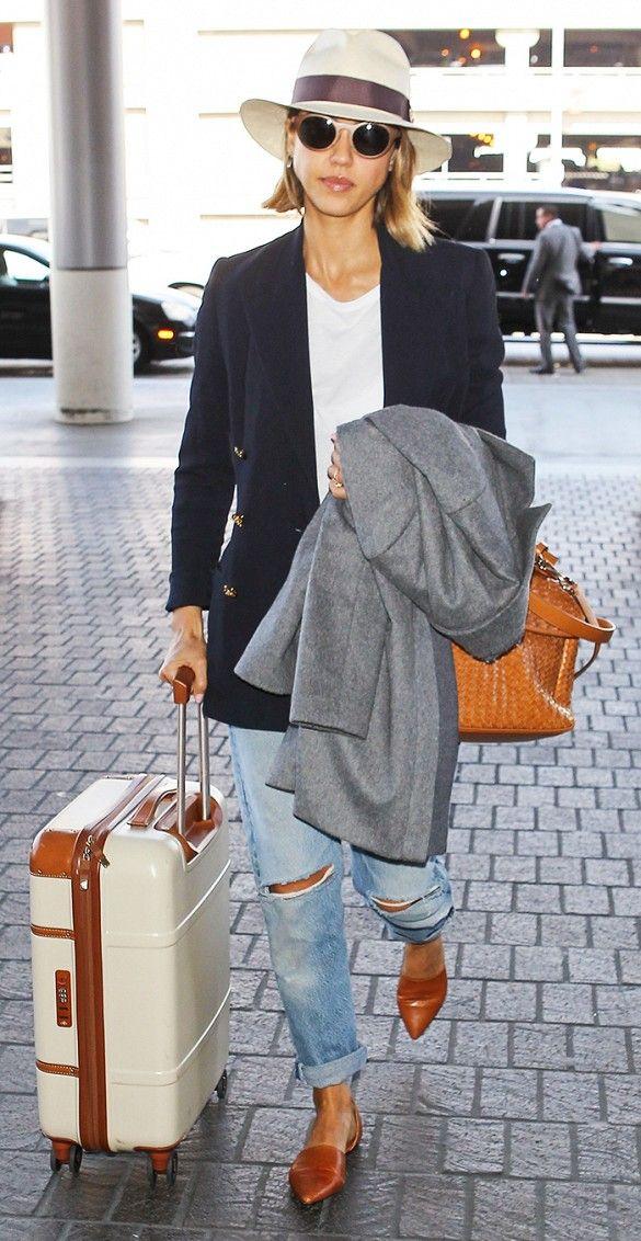 Jessica Alba layers // boyfriend jeans + blazer with ultra chic fedorta