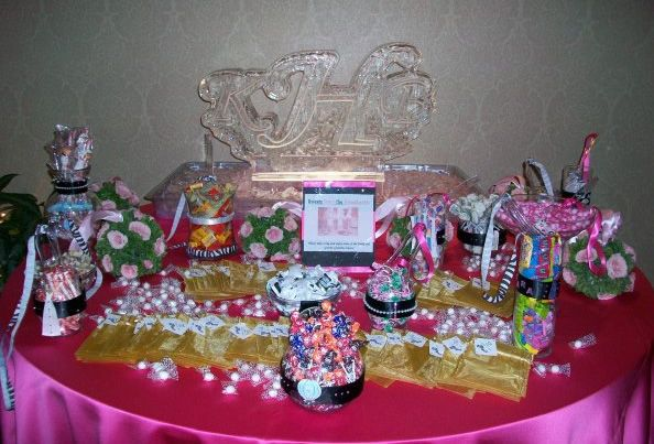 Candy table ideas do it yourself diy wedding favors for Do it yourself table decorations