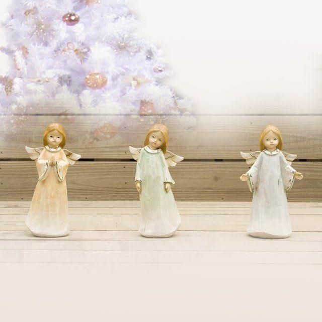 Figurka roztomilého andělíčka 22 cm vysokého pro tvorbu vánoční či jiné dekorace