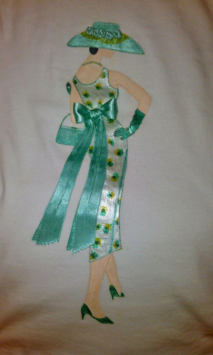 camiseta con silueta de mujer, inspirada en los años 50