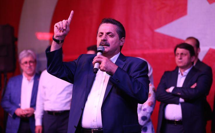 """Gıda Tarım ve Hayvancılık Bakanı Faruk Çelik, Bursa'da düzenlenen """"Demokrasi Nöbeti""""ne katıldı. [23.07.2016]"""