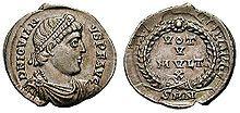 La silique est une petite monnaie romaine d'argent dont la frappe a commencé au ive siècle de notre ère pour stabiliser le système monétaire - Silique de Jovien (363-364).
