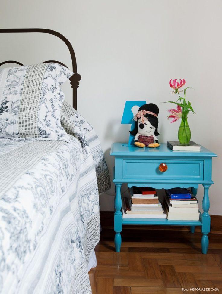 36-decoracao-quarto-criado-mudo-retro