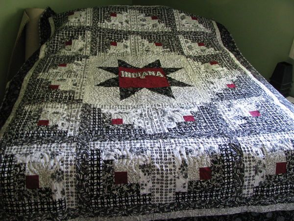 354 best log cabin quilts images on Pinterest | Linens, A log and ... : log cabin style quilts - Adamdwight.com