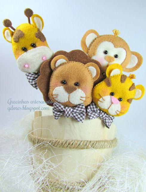 Gracinhas Artesanato: safari feltro: Gracinhas Artesanato, Felt Crafts, Felt Bouquets, Cute Crafts, Craft Blackboard, Feltro Bichinho, Safari Feltro, Jungles Animal, Felt Animal