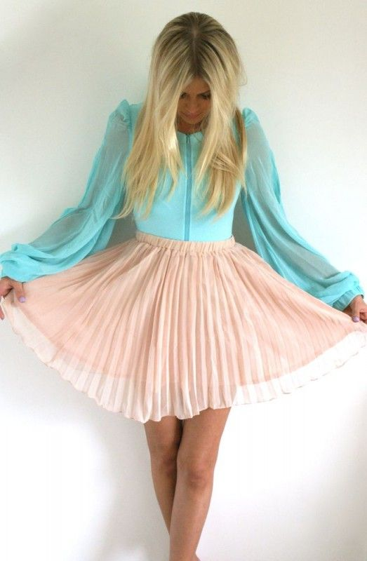 Oh sooo cute!!Colors Combos, Fashion, Style, Shirts, Blue, Outfit, Cotton Candies, Pastel Colors, Pleated Skirts