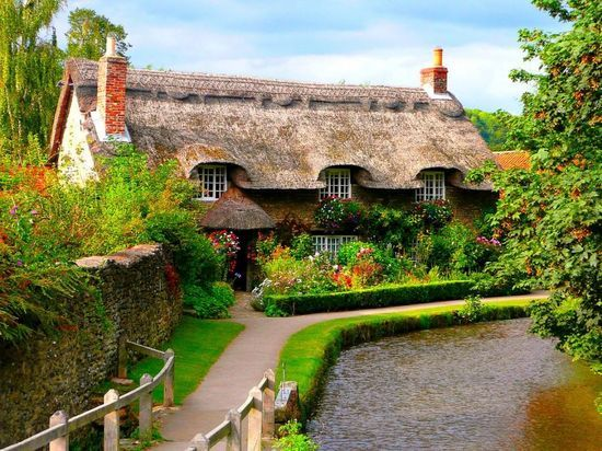 Lovely thatched roof cottage..Adare Ireland