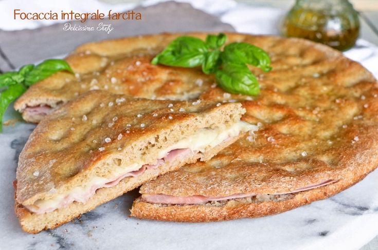 Focaccia+Integrale+farcita+con+Mozzarella+e+Prosciutto