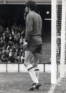 Circa 1972. West Bromwich Albion goalkeeper John Osbourne as a crafty cigarette mid-match. Sadly his life was cut short.