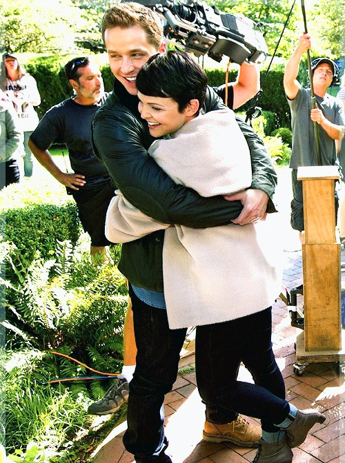 Once Upon A Time (Josh Dallas & Ginnifer Goodwin)