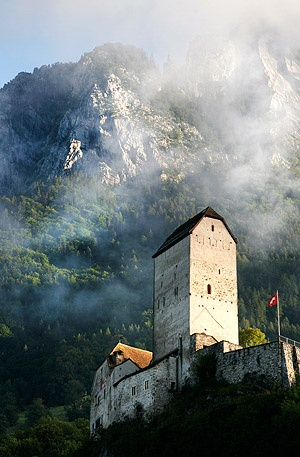 Schloss Sargans. Sargans Castle, 12th century fort/castle, St. Gallen canton, Switzerland. Photo: John Baker