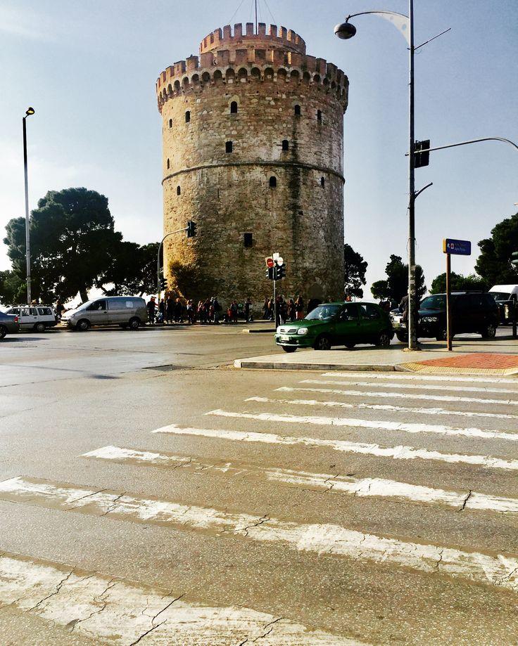 Selanik'ten, güzel bir günün sabahından günaydınlar...        ❤️                                          #selanikrehberi #selanikbekliyor #selanik #thessaloniki #θεσσαλονίκη #skg #greece #instagreece #greecestagram #ig_greece #ig_thessaloniki #yunanistan #günaydın #καλημερα #haveaniceday #lefkospirgos #beyazkule #whitetower