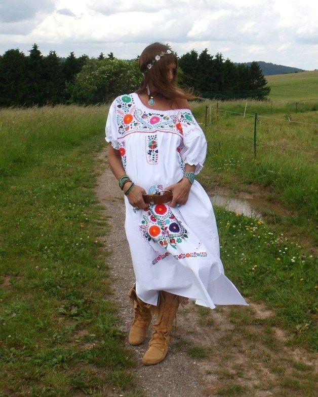 Jurken - XL hippie tuniek wit mexicaanse handgeborduurde - Een uniek product van santa-fee op DaWanda