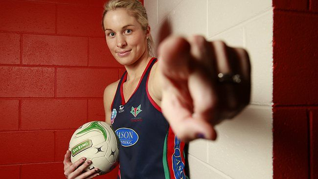 Vixens lose Julie Corletto as she heads across the ditch to be closer to hubby
