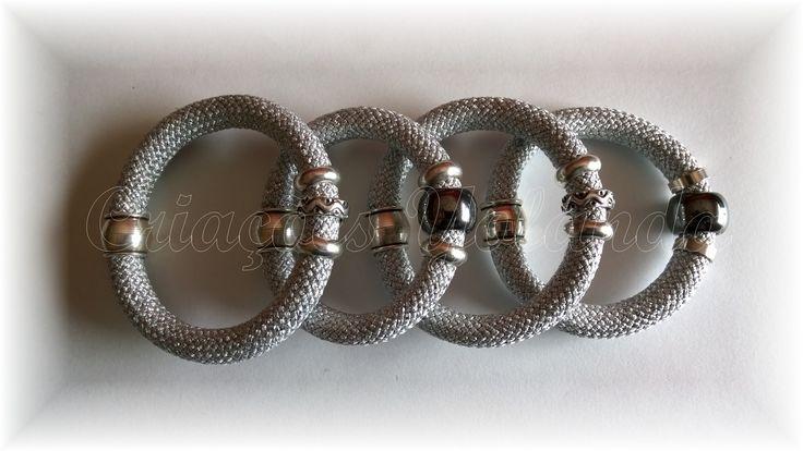 Pulseiras em paracord metais zamak, com banho a prata.