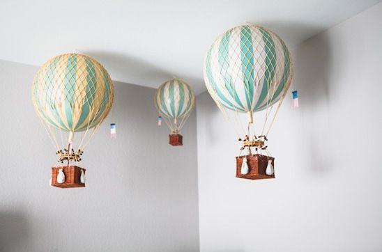 balões teto quarto bebê http://www.mimoinfantil.com.br/