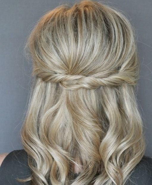 Simple curls with a twist!  Photo via The Small Things Blog