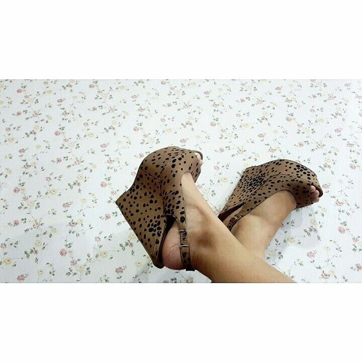 Forever21 brown wedges
