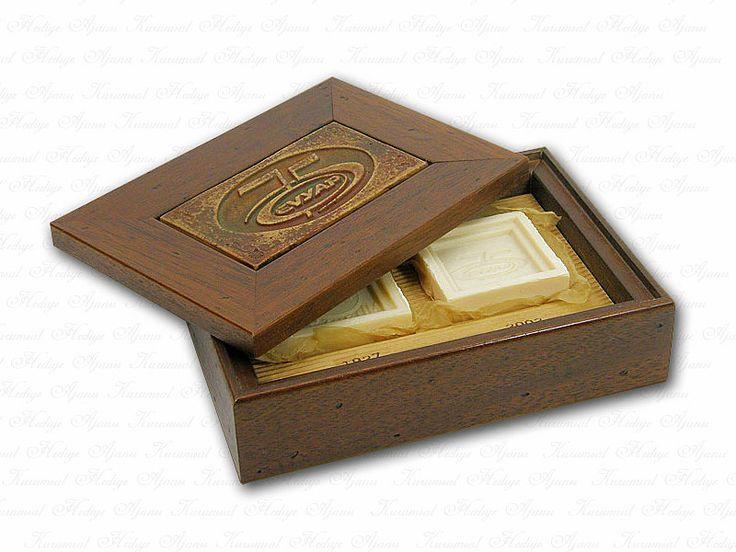 masif kutu, logolu masif kutu, logolu ahşap kutu, kurumsal hediyeler, kuruma özel hediyeler, kaliteli hediyeler, özel tasarım hediyeler
