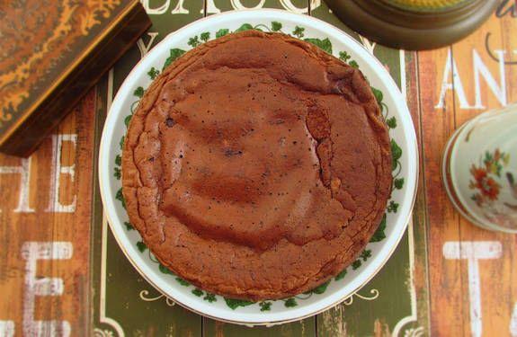 Bolo de chocolate com caramelo e mel