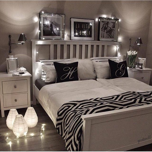 remove the lamps on the floor and i love it httphubz - Black White And Silver Bedroom Ideas