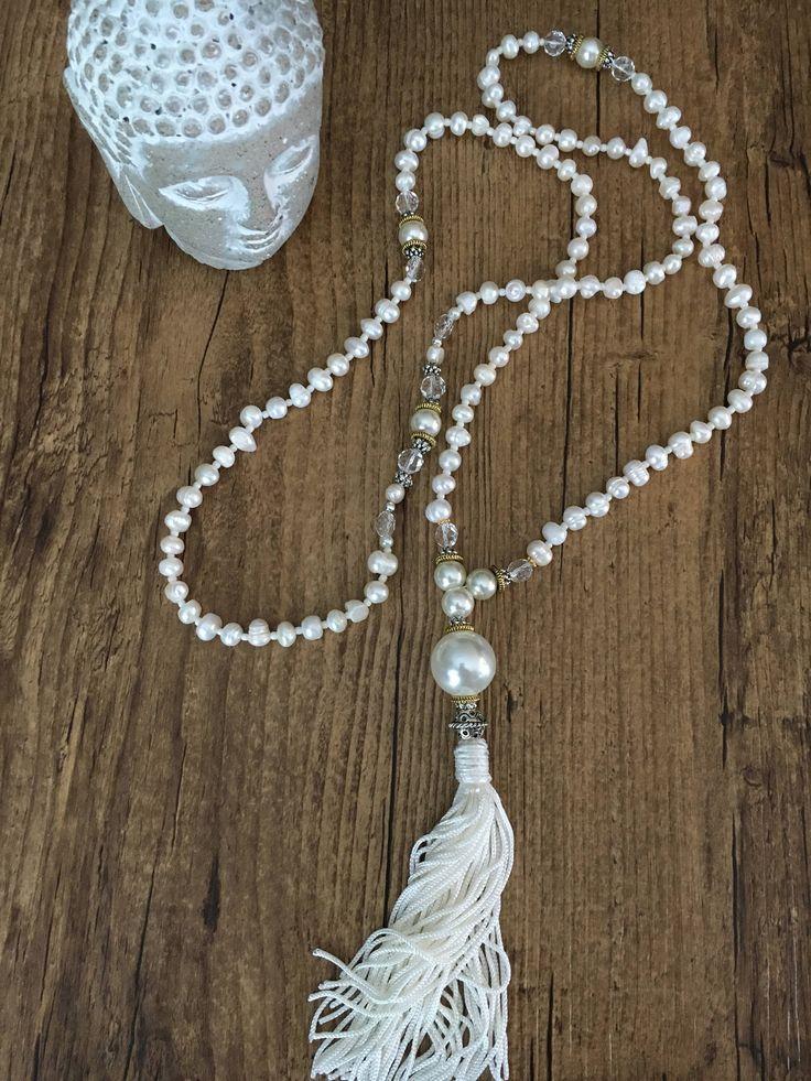 Voici ce que je viens d'ajouter dans ma boutique #etsy: Mala des fêtes, collier de méditation , 108 perles naturelles. Zen et féminin, Meditation necklace holidays
