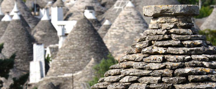 La région des Pouilles est un véritable écrin d'art, d'histoire et de nature. Patrie du soleil et de l'hospitalité, à l'extrême sud-est de l̵...