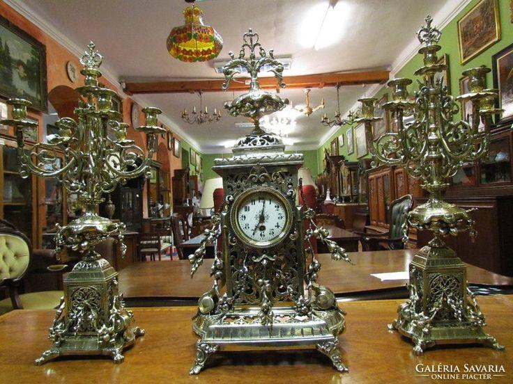 Antik kandalló óra gyertyatartókkal