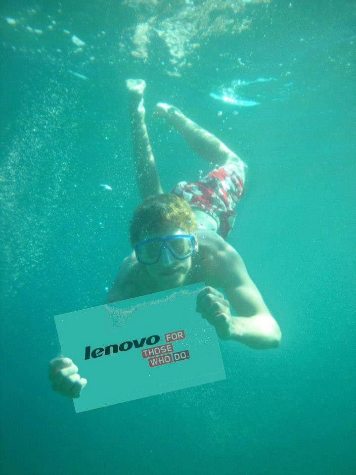 ¡ Un Doer bajo el agua!  www.lenovo.com/ar
