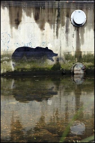 Banksy - Deptford Bear