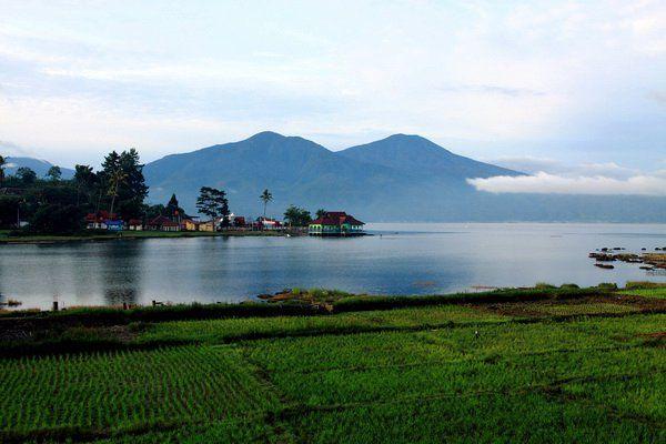 Jambi, Pemandangan Alam Danau Kerinci: Wisata Alam Danau Kerinci