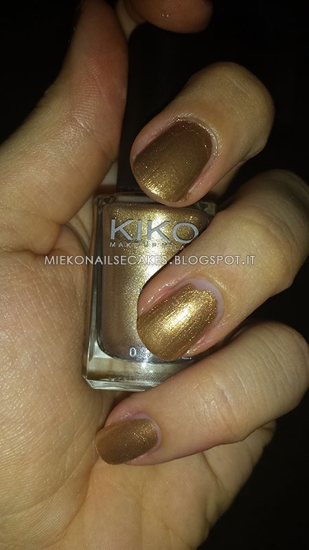 http://miekonailsecakes.blogspot.it/2014/08/color-day-kiko-make-up-milano-480-oro.html