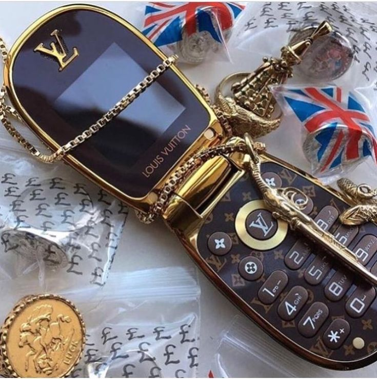 Gucci Wallpaper Iphone 7 Sophbateman In 2020 Boujee Aesthetic 90s Aesthetic