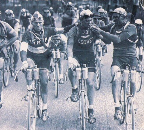 There's nothing like a smoke after a tour de France stage..!