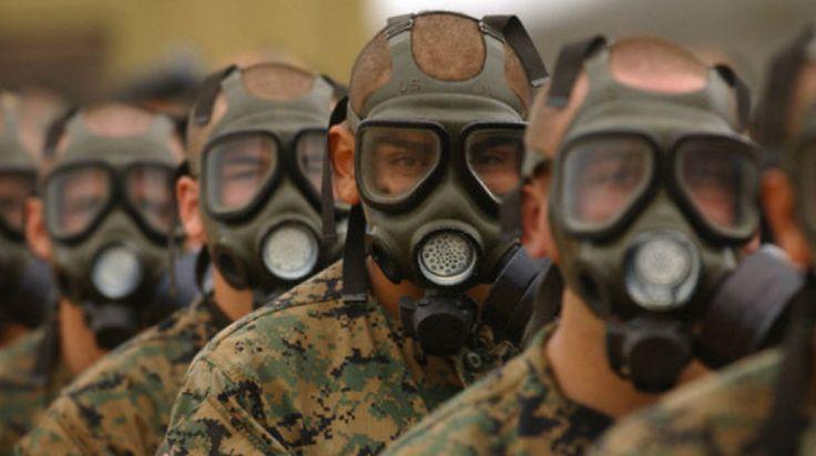 Gli aggressivi chimici sono gas o liquidi che producono offese mortali, o solo irritanti, alle persone. Gli aggressivi gassosi si dicono fluttuanti, quelli