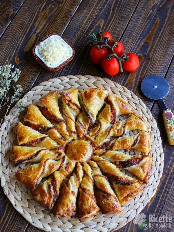 Fiore di pasta sfoglia al gusto pizza veloce