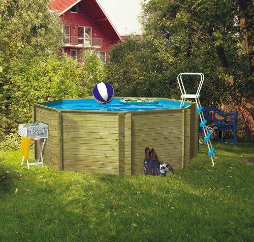 38mm Pool Liliput 2Allgemein:*5 Jahre Garantie auf die Konstruktion*schneller und einfacher Aufbaudurch Blockbohlen System*kesseldruckimprägniertMaße:*Länge: 313 cm*Breite: 313 cm*Höhe: 124 cm*Volumen: 8,40 m³Inklusive: *Bodenschutzvlies*Folie*Holzdeck*Stahlrohrleiter*Handlauf 28mmHinweis: Beim Liliput 2 sind keine Terrassenanbauten als Zubehör möglich!Die Karibu Pools haben eine Wandstärke von 38mm und bestehen aus kesseldruckimprägnierten Rundprofilhölzern mit Doppelnut und Feder. Sie…