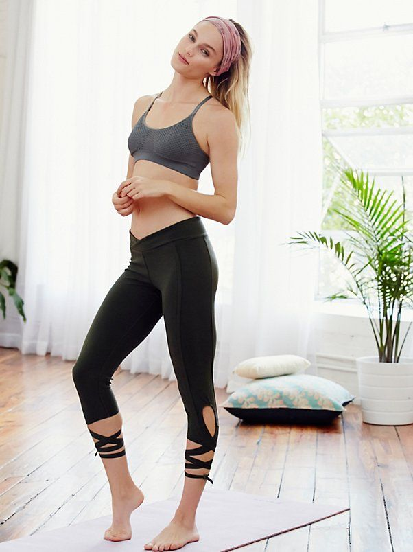 60752bc5c6 ♡ Women's Free People Turnout Leggings | Workout Clothes | Leggings | Good  Fashion Blogger | Fitness Apparel | Must have Wo… | Free People Yoga Clothes  ...