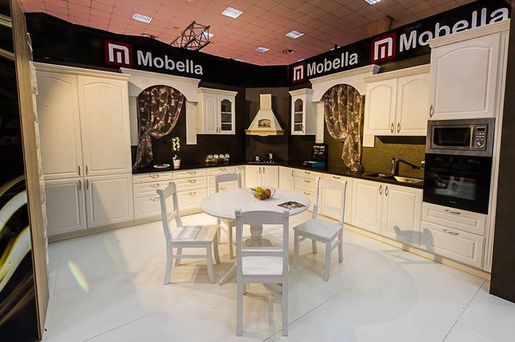 Mobila clasica de bucatarie din lemn masiv www.mobella.ro