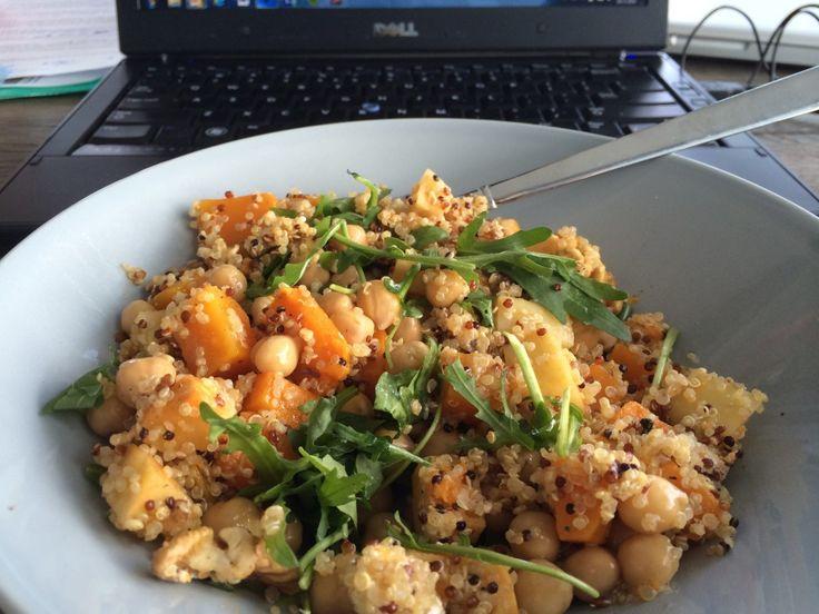Geroosterde groenten zijn lekker in je avondeten, maar ook als lunch. Met dit lunchinspiratie recept verwerk je een restje van het diner tot heerlijke lunch