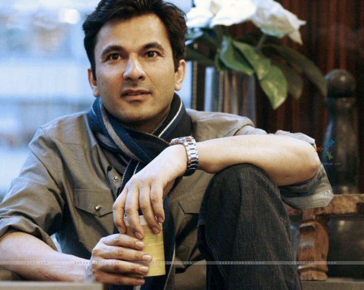 How can a man look so good n also cook..!! #chefvikaskhanna #drooling
