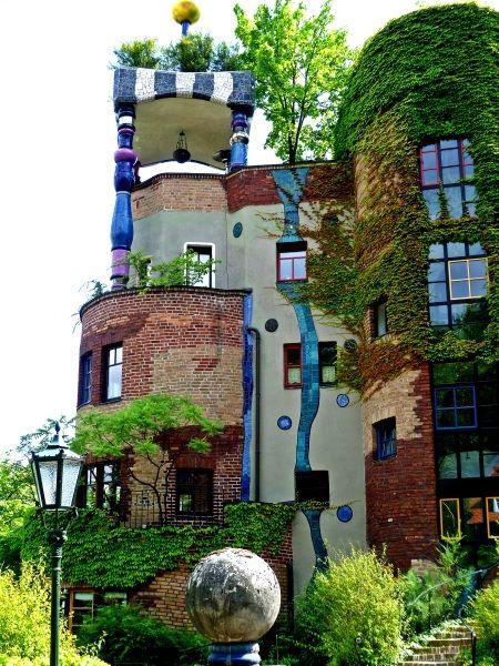 More hundertwasser green architecture pinterest for Architecture hundertwasser