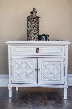 Mesa auxiliar de cambio de imagen en blanco mudpaint Manor, muebles pintados