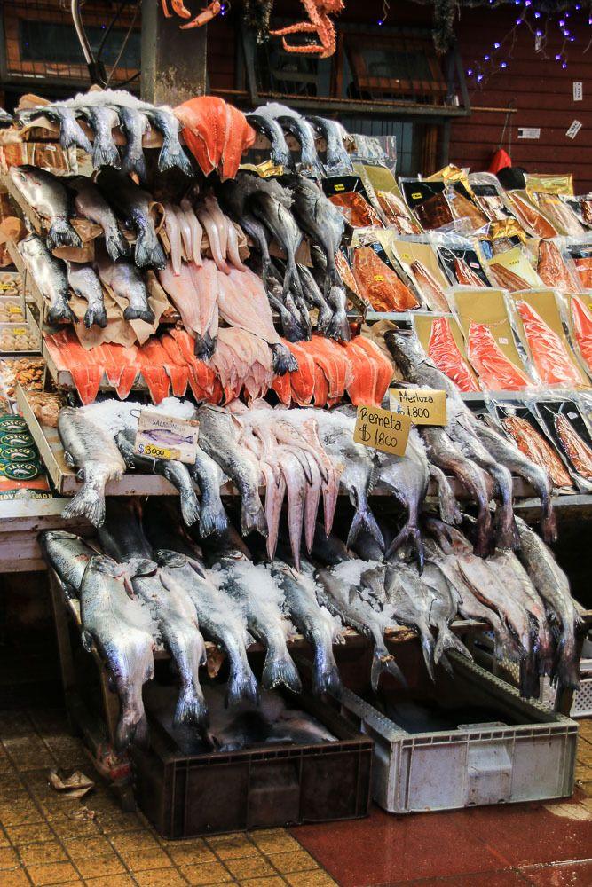 Auf dem Fischmarkt in Angelmó Aus dem Album Puerto Varas, Frutillar & Angelmó