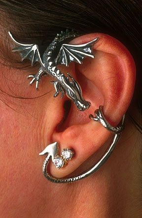 Guardian Dragon Earwrap... how cool would it be to be dressed all smart and just have this snuggling your ear?