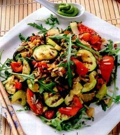 Reţetă: Orez cu legume la gratar si sos pesto | Restaurante de Lux