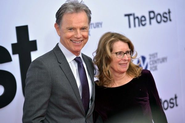 """Bruce Greenwood Photos - Actor Bruce Greenwood and his wife Susan Devlin arrives for the premiere of """"The Post"""" on December 14, 2017, in Washington, DC. / AFP PHOTO / Mandel NGAN - 'The Post' Washington, DC Premiere"""